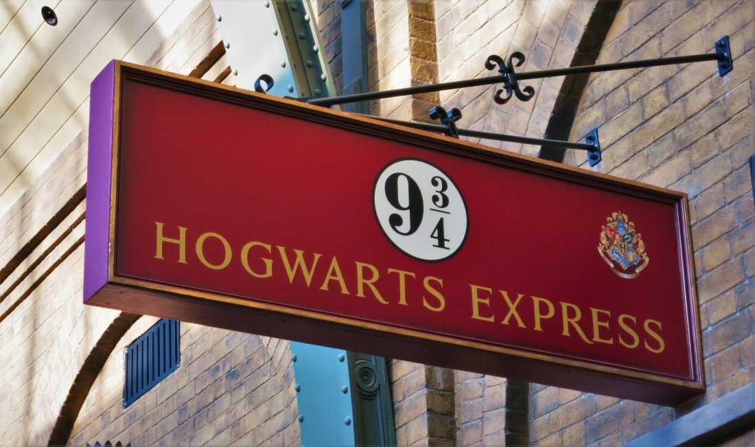 Harry Potter Hogwarts Express sign saying platform nine and three quarters
